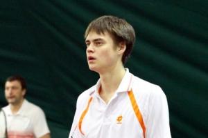 Геннадий Ушаков из Каменска-Уральского не смог пробиться в полуфинал открытого чемпионата Тюменской области по теннису