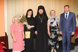 Еще одна многодетная семья из Каменска-Уральского получила денежную помощь из средств, собранных в ходе акции «Белый цветок»