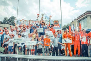 На чемпионате России каменская водномоторница стала лучшей в заездах вместе с юношами и завоевала золото