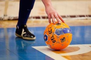 Чемпионат Каменска-Уральского по мини-футболу. Фавориты уходят в отрыв