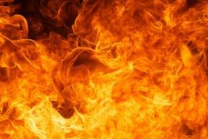Вчера днем в Каменске-Уральском на улице Северный проезд горел заброшенный гараж