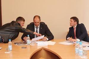 На что жаловались жители Каменска-Уральского главе областного правительства