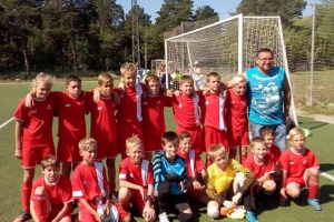 Еще одна юношеская футбольная команда из Каменска-Уральского выиграла первенство области