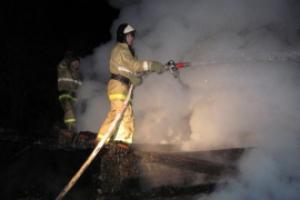 Вчера вечером под Каменском-Уральским горел дом-дача. Хозяева считают, что это поджог