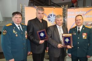 Спасатели Свердловской области наградили журналистов из Каменска-Уральского