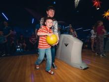 Боулинг клуб «Астероид» - это просто космическое место для отдыха с семьей или с друзьями!