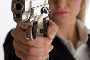 Вчера вечером 36-летняя жительница Каменска-Уральского стреляла в своего бывшего мужа