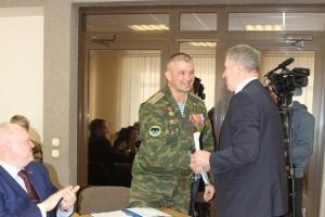 Депутатов Каменска-Уральского наградили за Новый год и рождение детей