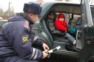 В Каменске-Уральском во вторник утром опять будут следить за тем, используют ли родители детские кресла