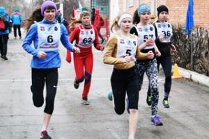 Спортсмены из Каменска-Уральского стали победителями чемпионата и первенства области по легкоатлетическому кроссу