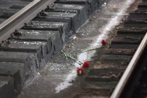 Сегодня ночью на перегоне «Богданович – Каменск-Уральский» неизвестный поезд насмерть сбил 43-летнего мужчину