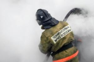 Вчера в Каменске-Уральском горел склад на улице Октябрьская