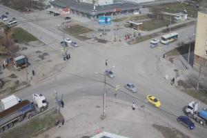 Из-за коммунальной аварии в Каменске-Уральском без света оказались три многоквартирных дома и отключились светофоры на оживленном перекрестке