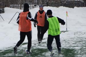 Футбольная «Синара» из Каменска-Уральского сегодня выиграла принципиальный матч в зимнем чемпионате области