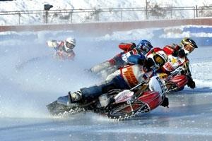 Президент Владимир Путин отметил успехи мотогонщиков из Каменска-Уральского