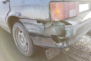 Два начинающих водителя в Каменске-Уральском попали сегодня в ДТП, один из них получил травму
