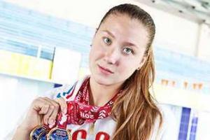 В последний день чемпионата России по плаванию в Казани Дарья Устинова из Каменска-Уральского завоевала еще одну медаль