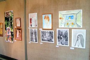 В Каменске-Уральском открылась выставка, на которой представлены лучшие работы конкурса «Белый Ангел России»