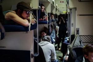 Билеты в плацкартные вагоны на 31 декабря в Каменске-Уральском можно купить со скидкой 50 процентов