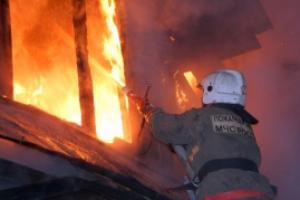 Накануне вечером в деревне Щербакова, что под Каменском-Уральским, горел дом-дача
