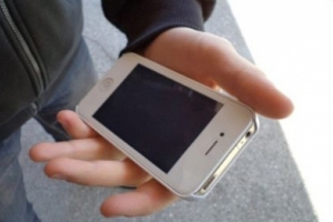 22-летний житель Каменска-Уральского обворовал салон сотовой связи, в котором сам работал