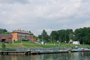 На базе «Металлист» в Каменске-Уральском стартовал летний сезон. Можно покататься на лодках и катерах