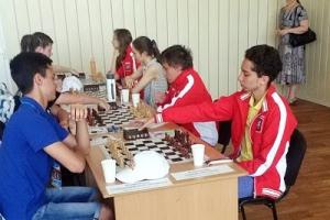 Шахматисты из Каменска-Уральского, в составе сборной Свердловской области, поборются за бронзу летней Спартакиады учащихся России