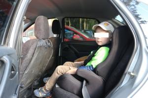 Сегодня в Каменске-Уральском за три часа зафиксировали двенадцать нарушений, связанных с перевозкой детей