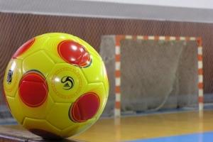 В Каменске-Уральском стартовал чемпионат города по мини-футболу. За награды поборется тридцать одна команда