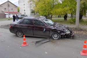 Сегодня в Каменске-Уральском в ДТП пострадал 12-летний подросток, на которого буквально свалилась машина на перекрестке