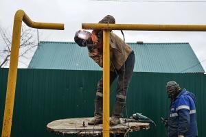 В поселке Мартюш, что под Каменском-Уральским, в дом, в который переселили людей из ветхого жилья, провели газ