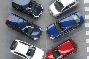 В Каменске-Уральском дали добро на работу еще трех автостоянок