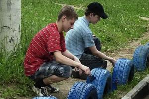 Более семисот школьников из Каменска-Уральского в летние каникулы воспользовались возможностью подзаработать