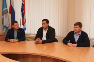 В Каменске-Уральском побывал генеральный секретарь федерации бокса России Умар Кремлев