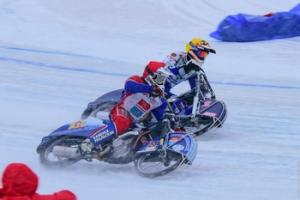 Дмитрий Солянников из Каменска-Уральского стал вторым в первом финале Кубка России по ледовому спидвею