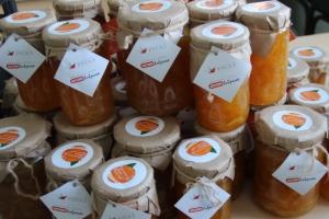 Более 70 литров апельсинового варенья приготовили в Каменске-Уральском в рамках благотворительной акции «Мировое варенье»