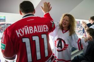 Губернатор Свердловской области Евгений Куйвашев приедет на открытие крытого катка в Каменск-Уральском. И, возможно, даже примет участие в первом хоккейном матче там