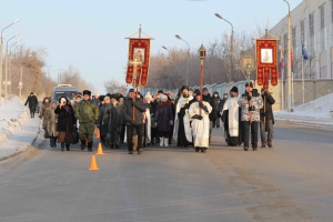 Сотни жителей Каменска-Уральского отметили Крещение господне Крестным ходом