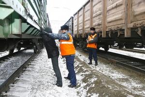 В Каменске-Уральском будут судить серийных вагонных «налетчиков», которые похитили почти 14 тонн металла