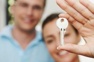 Бюджетникам Каменска-Уральского объяснили, как можно улучшить свои жилищные условия