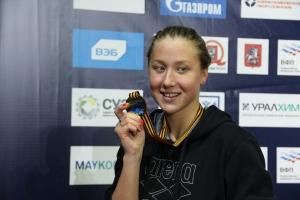 Дарья Устинова из Каменска-Уральского завоевала пять золотых медалей на чемпионате УрФО по плаванию