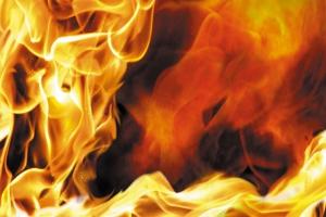 В среду вечером горел частный жилой дом в деревне Соколова, что под Каменском-Уральским
