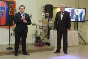 «РИМ-ТВ» исполнилось двадцать лет. Мэр Каменска-Уральского лично поздравил сотрудников телекомпании