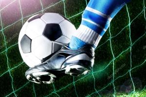 В чемпионате Каменска-Уральского по футболу едва не сменился лидер