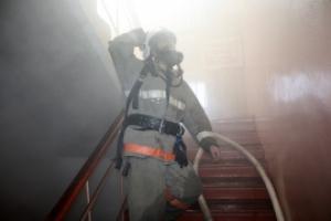 В понедельник вечером в Каменске-Уральском произошел пожар в многоквартирном доме на улице Мичурина