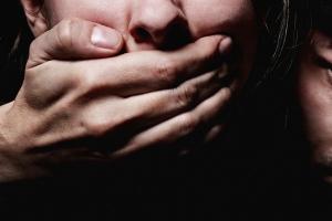 В Каменске-Уральском десятилетняя школьница стала жертвой педофила