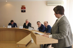 В семи садиках и тринадцати школах Каменска-Уральского нет обязательного ограждения по периметру здания