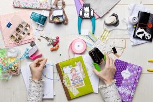 Школьников Каменска-Уральского призывают заниматься креативным скрапбукингом