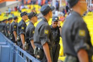 Полицейские из Каменска-Уральского отправились в Екатеринбург помочь охранять порядок накануне и во время чемпионата мира по футболу
