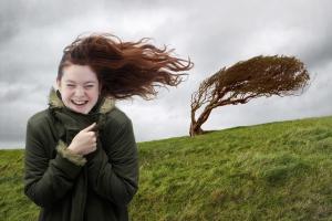 Ураганный ветер обещают Каменску-Уральскому во вторник 22 мая. Спасатели советуют, как уберечься от него